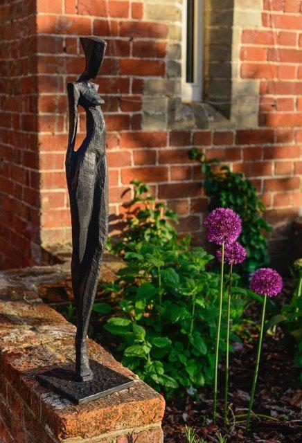 Nathalie by Nando Kallweit. Limited edition bronze sculpture